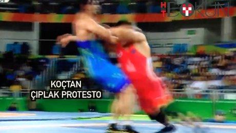 Moğol güreşçinin koçundan soyunmalı tepki
