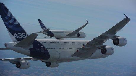 Yolcu uçaklarından müthiş şov