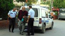 Hareket halindeki otobüsün şoförünü göğüsünden bıçakladı!