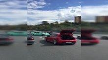 /video/haber/izle/otoyolu-kapatip-gelin-arabasiyla-drift-yaptilar/202903