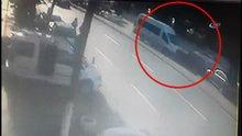 Direksiyon başında uyuyan sürücü böyle kaza yaptı