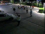 Taksicilerin bıçaklı kavgası kamerada