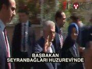 Başbakan'dan huzurevine ziyaret