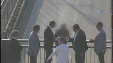 Köprüden atlamak isteyen adamı Vali kurtardı