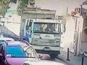 Genç kızın can verdiği kamyon kazası güvenlik kamerasında