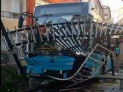Kağıthane'de freni boşalan otobüs oyun parkına girdi
