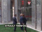 """Fransa Dışişleri Bakanı Ayrault: """"Türk halkı, son derece cesur davrandı"""""""
