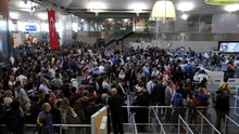 /video/haber/izle/ataturk-havalimaninda-pasaport-sistemi-arizasi/207813