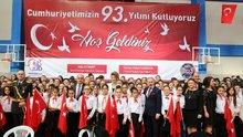 29 Ekim doğumlulardan oluşan dev koro