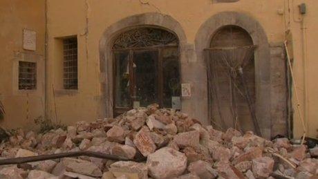 İtalya'daki şiddetli depremden ilk görüntüler