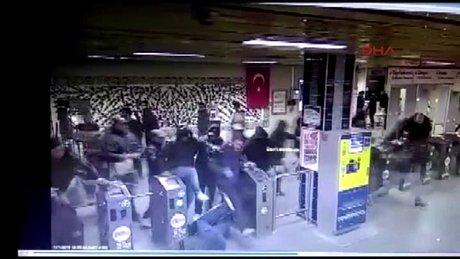 Napoli taraftarlarının çıkarttığı olaylar kamerada