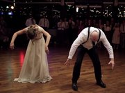 Misafirleri şoke eden düğün sürprizi!