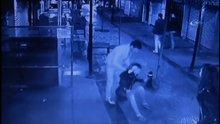 Manisa'da kız arkadaşını sokak ortasında darp etti