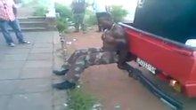 Afrikalı Süpermen şov yaptı