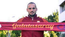 Sneijder, Sarı-kırmızılı taraftarlara üçlü çektirdi