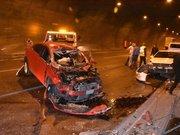 İzmir'de zincirleme trafik kazası; 2'si ağır 5 yaralı