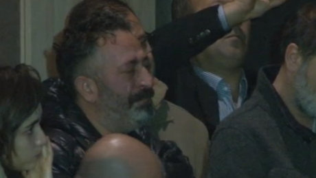 Cem Yılmaz Erdal Tosun'un cenaze töreninde gözyaşlarına boğuldu