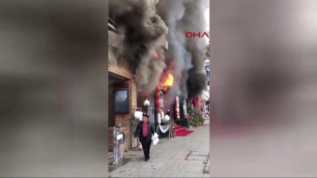Bağdat Caddesi'nde türkü barda yangın