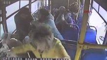 Kütahya'da kamyonla özel halk otobüsü çarpıştı: 16 yaralı