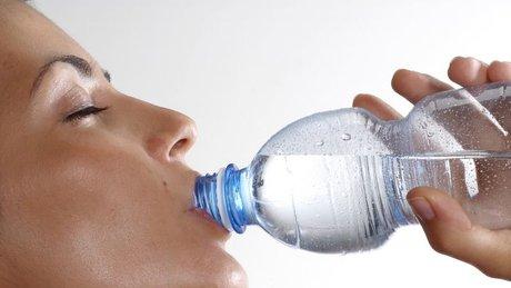 Kilo verebilmek için kaç litre su içmeliyiz?