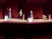 Dansçı sahnede öldü, seyirciler gösteri sandı