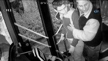 Ön Kapıdan İnemeyen Yolcu Otobüs Şoförüne Saldırdı