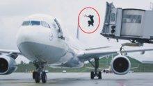 Jackie Chan'e özendi, uçağa böyle atladı!