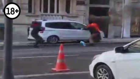 Nişantaşı'ndan tinerci yolunu kestiği adamı yaktı