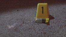 İzmir'de bir kişi evinin önünde pompalı tüfekle öldürüldü