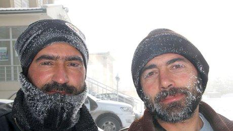 Soğuktan Kirpik Ve Kaşları Dondu: Ardahan Eksi 39 Derece