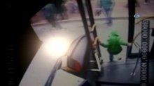 İETT şoförünün ihmali güvenlik kamerasına böyle yansıdı