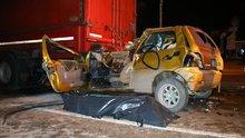 Bursa'da Otomobil TIR'ın altına girdi: 1 ölü 1 yaralı