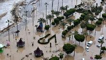 Mersin'de yağmur hayatı olumsuz etkiledi