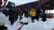 Konya'da pazar yeri çatısı çöktü