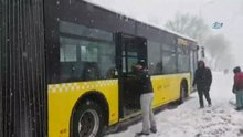 İETT Otobüsü yolda kaldı vatandaş türlü türlü yöntem denedi