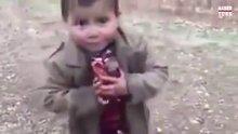 Mehmetçik'ten Suriyeli minik çocuğa sürpriz!