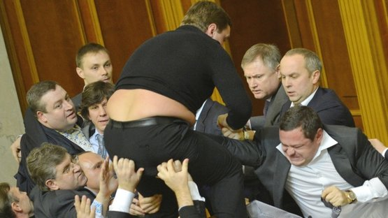 Dünyadan meclis kavgaları