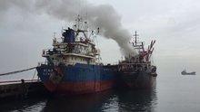 Maltepe'de kuru yük gemisinde yangın çıktı