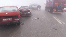 Konya'da sis ve buzlanma nedeniyle 32 araç birbirine girdi