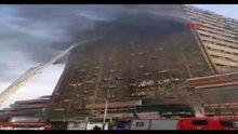 İran'da yangın çıkan 15 katlı bina çöktü