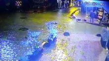 Cihangir'de elektrik kaçağından çarpılan köpeğin ölümü kamerada