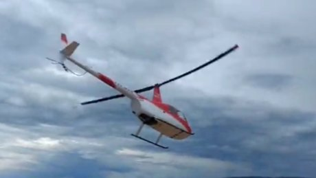 Helikopter denize çakıldı içindeki 4 kişi...