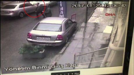Okmeydanı'nda tamirhanede araçlar parladı, alevler vatandaşa sıçradı