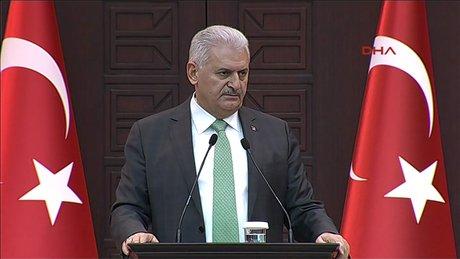 """Başbakan Yıldırım, """"Atatürk'ün partisine ülkeyi bölenlerle kol kola girmek yakışır mı?"""""""