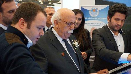 Kültür ve Turizm Bakanı Nabi Avcı Türkü Söyledi