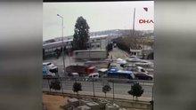 Gebze'de kamyonun araçlara çarpma anı