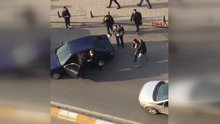 Taksim'de bıçaklı kavga