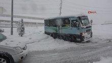 Rize'de hastane yolu kar nedeniyle ulaşıma kapandı, hastalar yolda kaldı