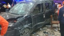 Bursa'da araç restorana girdi: 9 yaralı