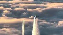 Jetler yolcu uçağının önünü kesti